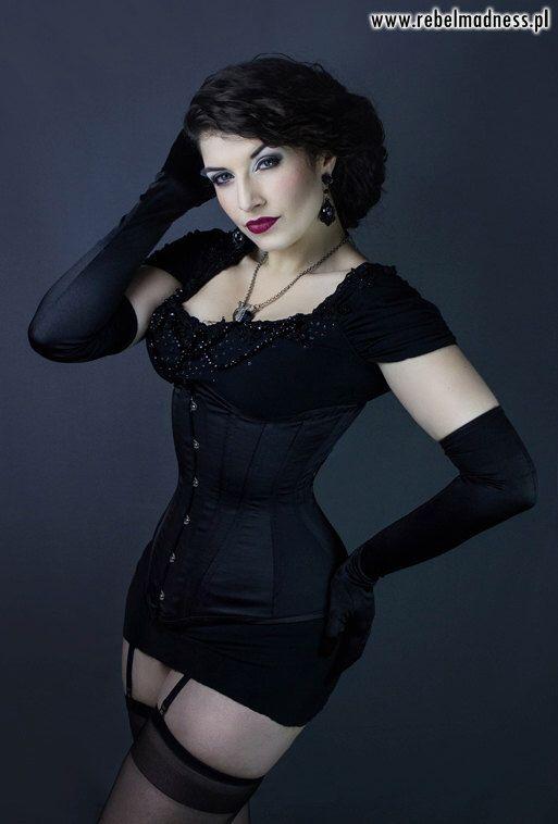 Lady Esmeralda   gothic 14   Pinterest
