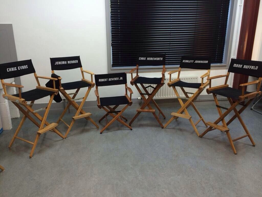 CA Girl  So RDJ tweeted this today.  I am in love with his chair!  XD