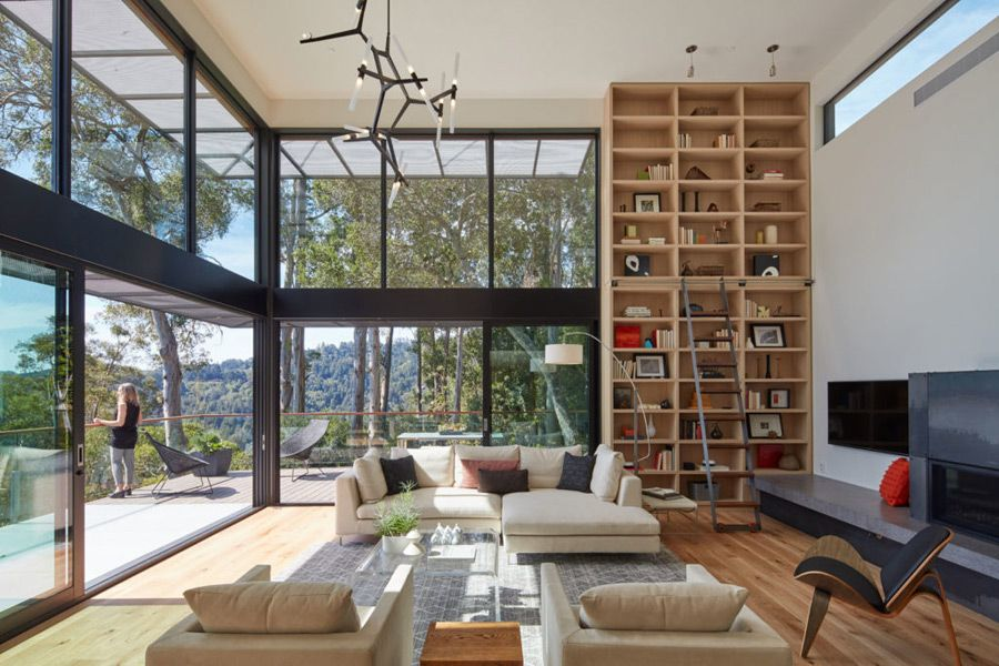 This modern hillside house by Zack | de Vito is not only great ...