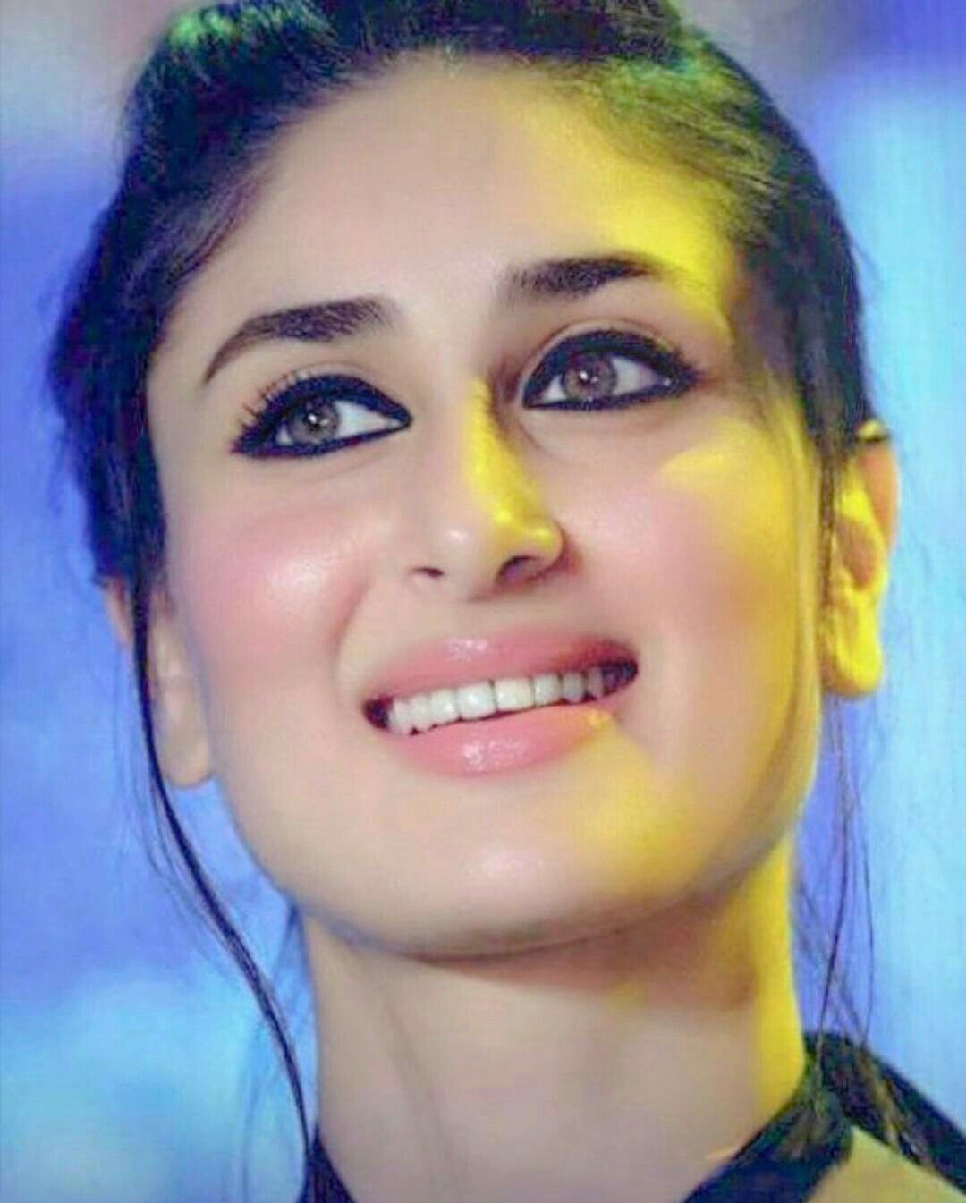 Kareena Kapoor Stunning Look Kareena Kapoor Beautiful Pics Kareena Kapoor Pics Bollywood Celebrities Indian Bollywood Actress
