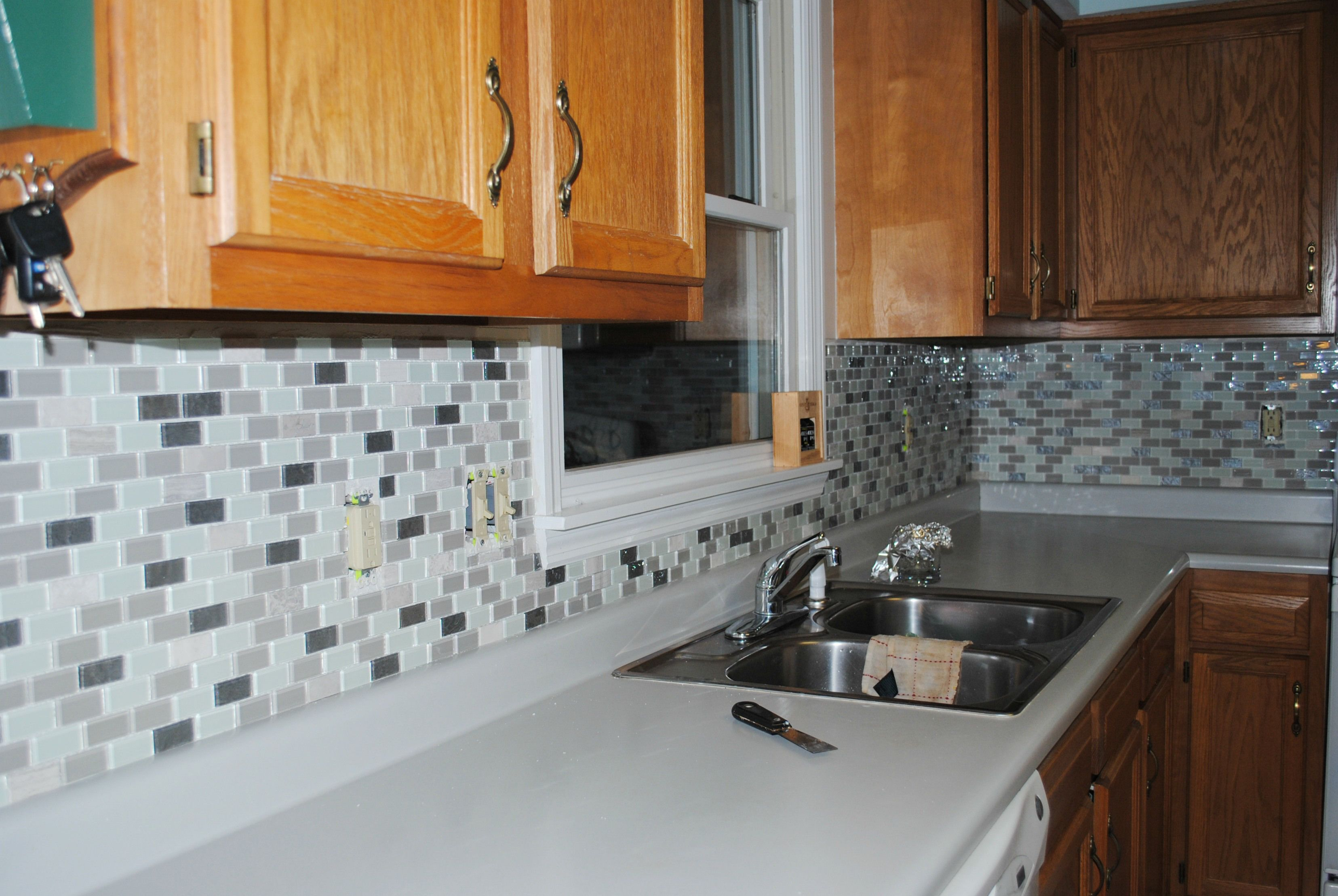 Groutless Backsplash Mounts Hidden