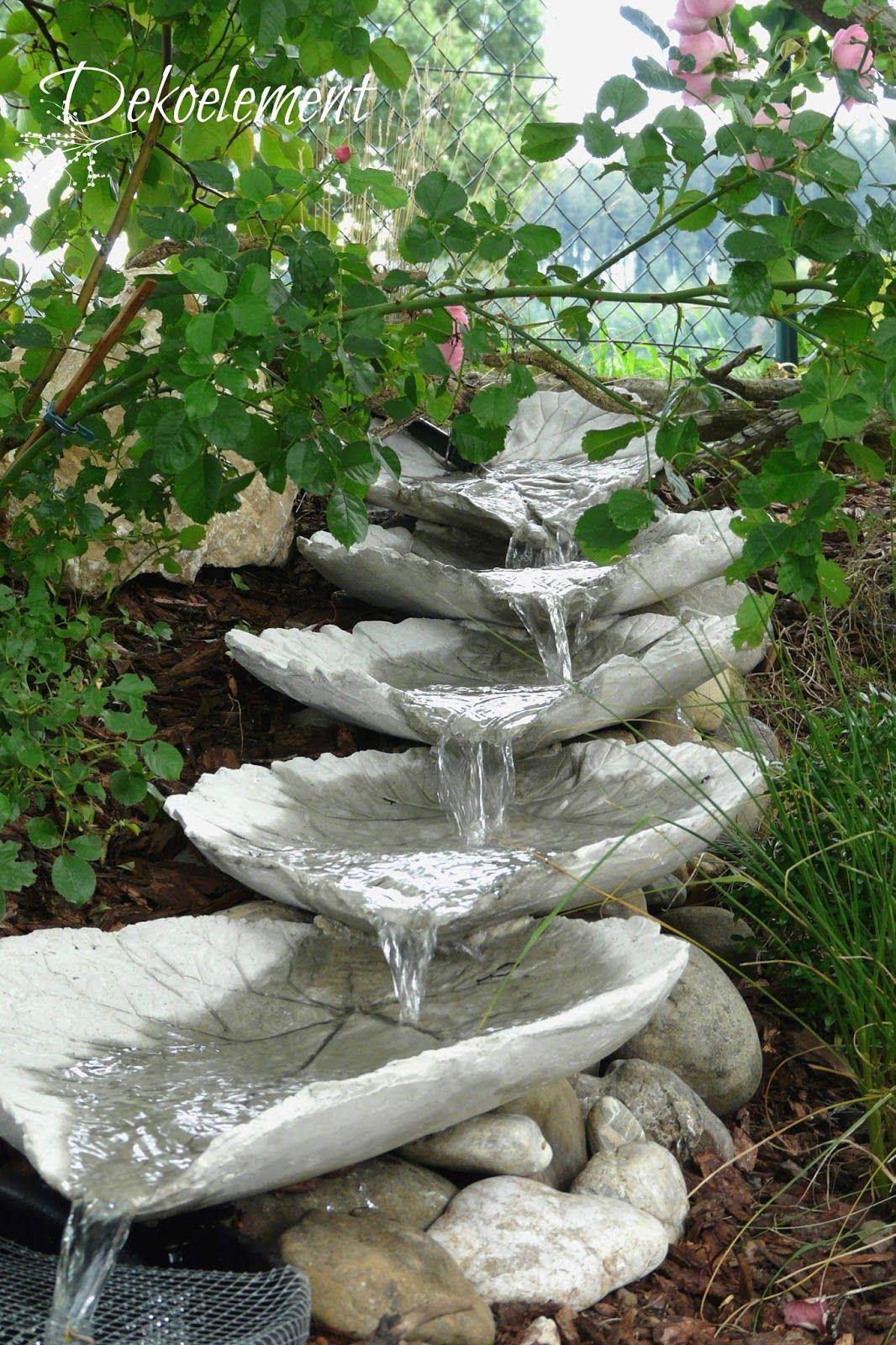 Betonblätter, Bachlauf Garten, Bachlauf Selber Bauen, Bachlauf Gestalten  Sitzecken Garten, Garten Beton