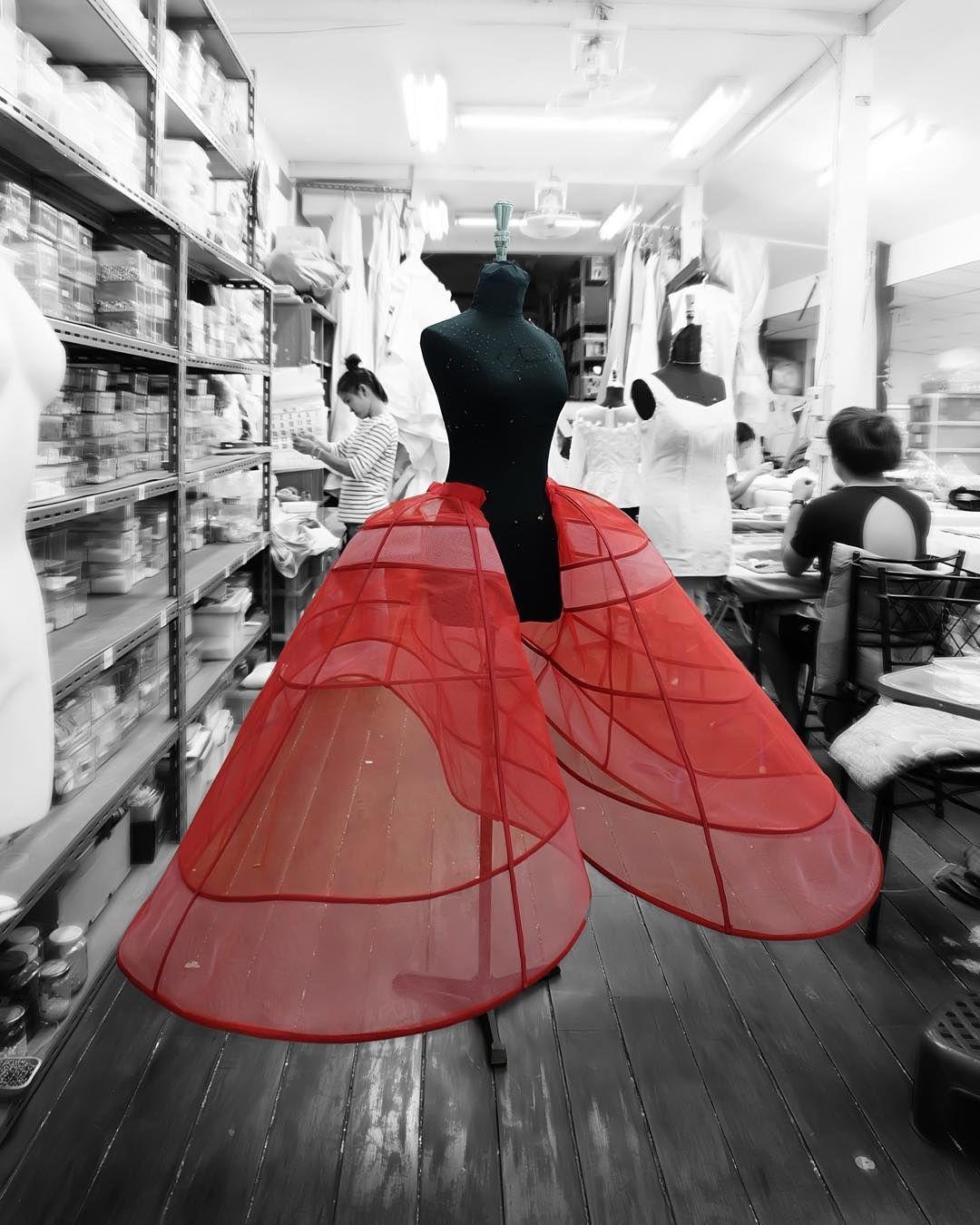 Mode De Luxe, Dentelle Blanche, Toile De Coton, Haute Couture, Atelier  Créatif 611a0cd4638e