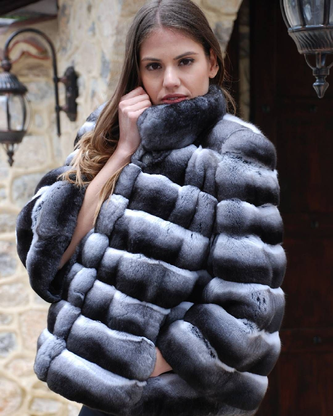 "Gefällt 103 Mal, 3 Kommentare - KASTORIA Fur Fair  ( kastoriafurfair official) auf Instagram  ""So cold today but  wondering...how I look in my  chinchilla ... ea7971ddbf"