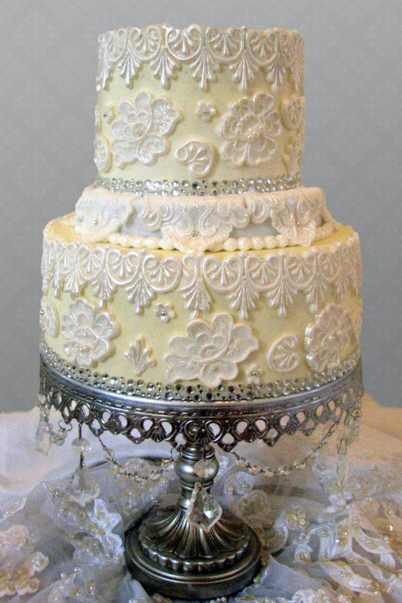 Yellow and White Lace Wedding Cake | Refined Retro Decor and Details - Wedding Inspiration