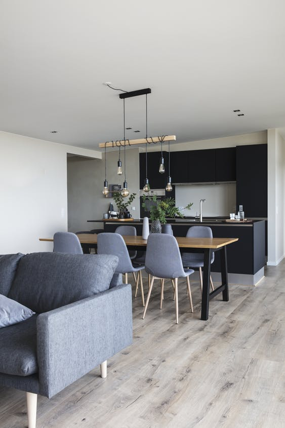 This room is both a kitchen, dinningroom and livingroom wrapped in to one.