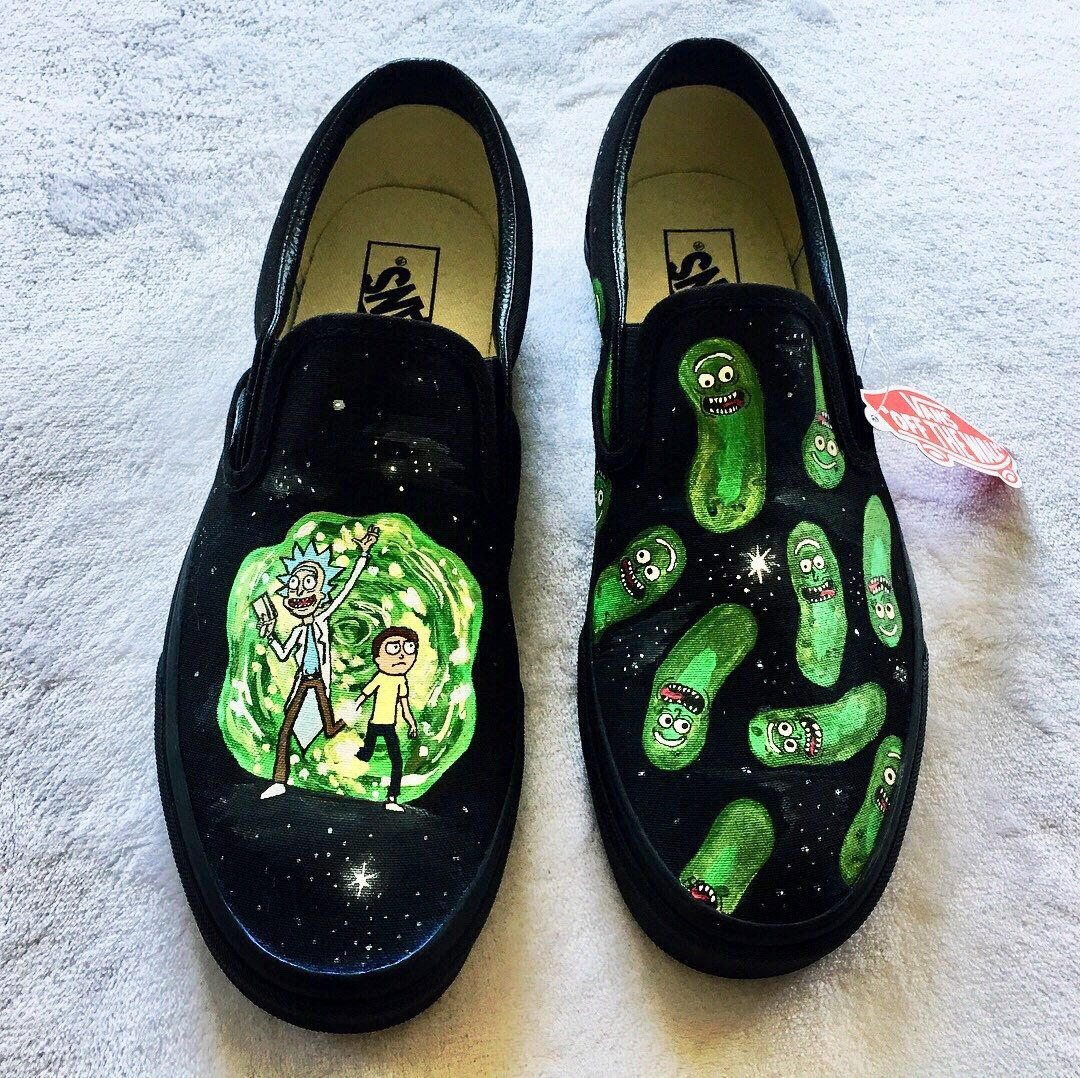 Rick and Morty Slip-On Pickle Rick Slippers Pink