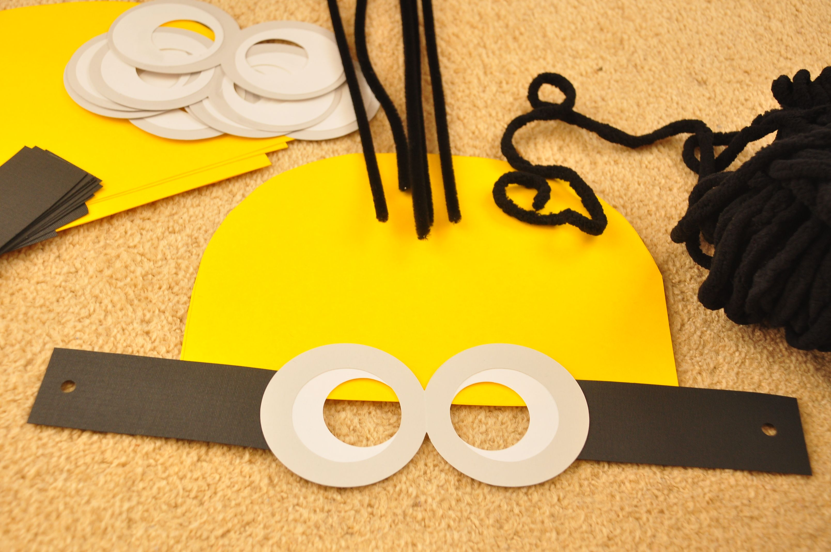 Crafts For Kids Minion Face Mask A Little Prep Work Ahead Of Time Made This An Easy Craft For