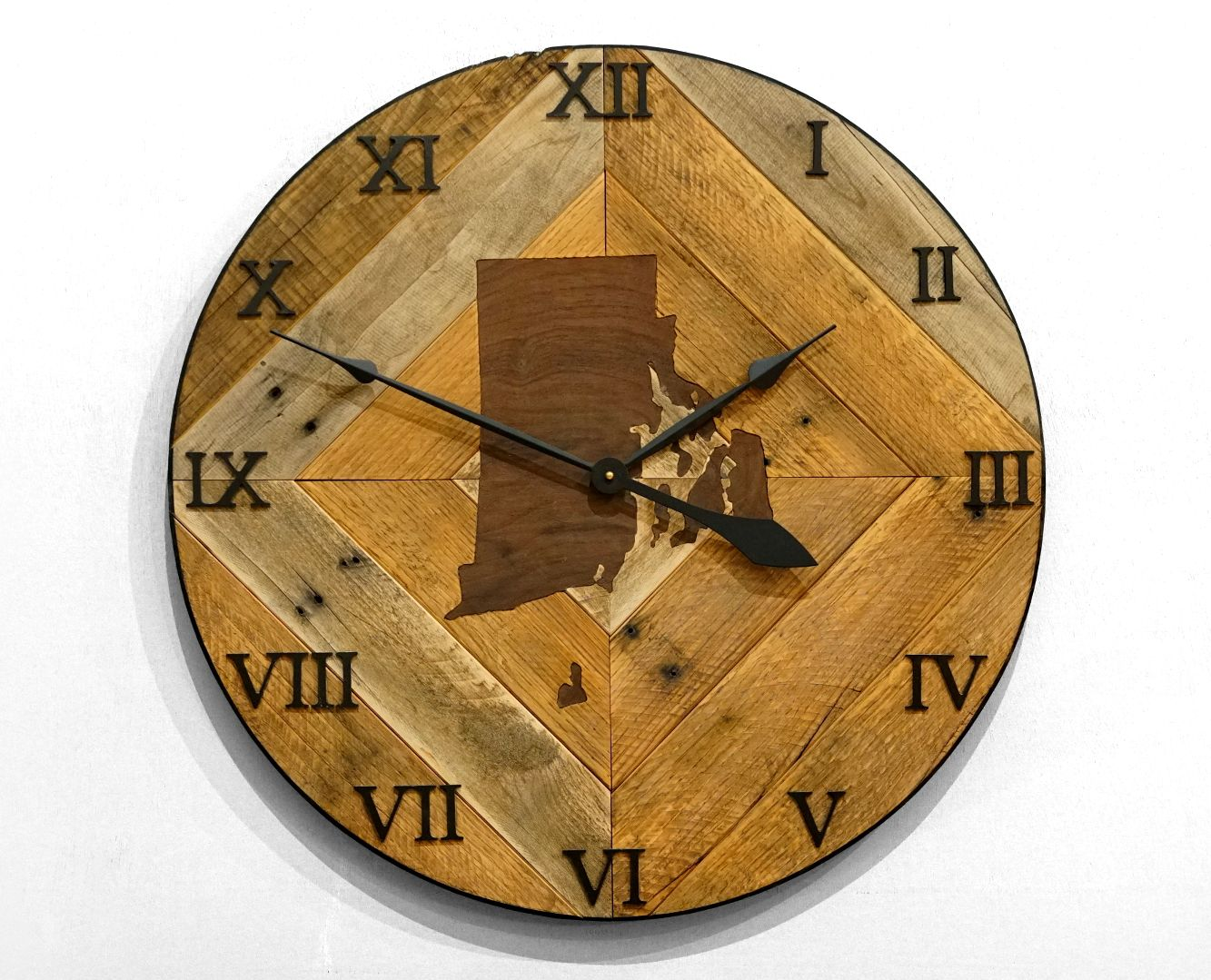 Pallet Wood Wall Clock With Inlay Apartment Decor