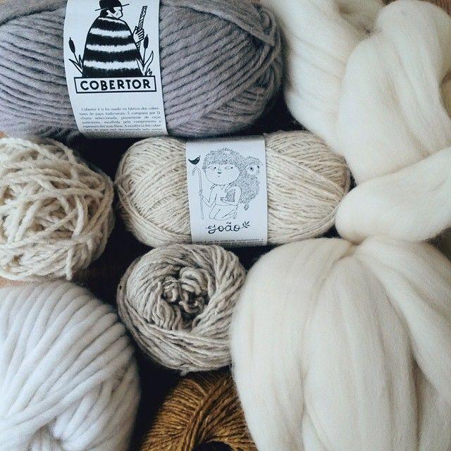 Yarn love. 100% portuguese wool, sourced and manufatured in Portugal. Obrigada @rosapomar. #rosapomar #retrosaria