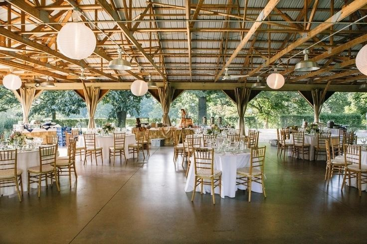 Pavillion Wedding Decorations Ideas   Circle Tables In An Outdoor Pavilion  {Photo By 52Forty Photography