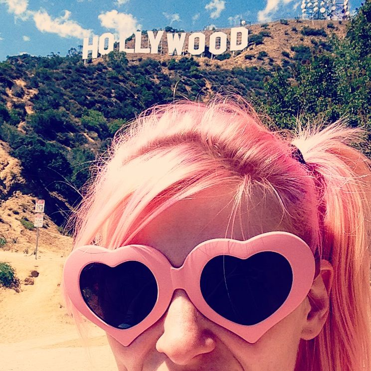 #asos #lunettesdesoleil #instamode #mode #fashion #pinkhair #summer #californiagirl #hollywood #california
