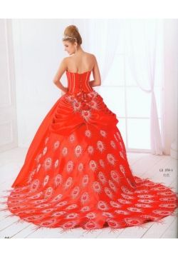 Just imagining showing up to a ball dressed like this...Sorry, the thought of me in this dress cracks me up!!