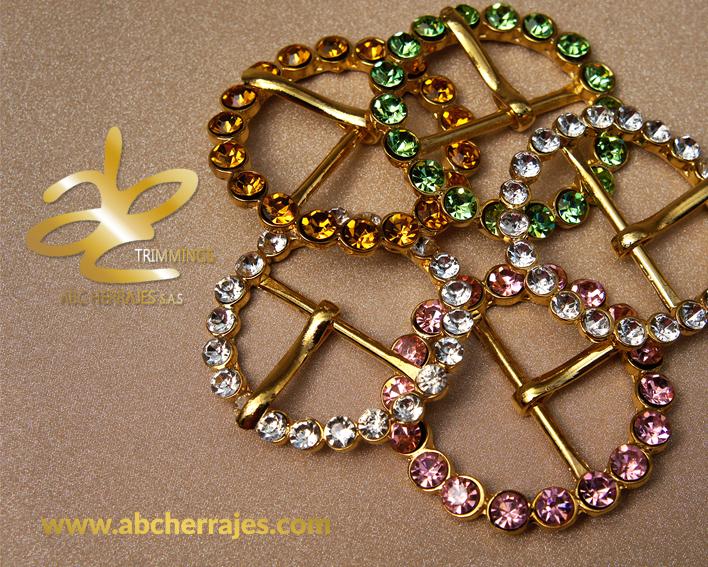 Mas hebillas Exclusivas, nuestra coleccion se extiende. Encuentra estas #Hebillas con pedreria y mas; #Torniquetes, #Broches, #PortaAsas, Adornos y demás herrajes de alta calidad.  Solo aquí en ABC Herrajes. Visítanos en: www.abcherrajes.com Escribenos a: ventas@abcherrajes.com arte@abcherrajes.com informacion.abc01@gmail.com  #Diseño #Vanguardia #Moda #Style #Luxury #ABCherrajes #instagood #instadaily