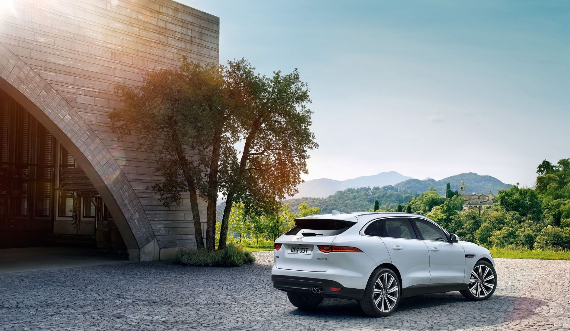 Image for White Concept Jaguar F Pace 2017