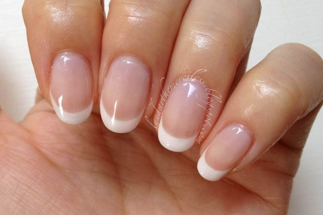 Round French Manicure
