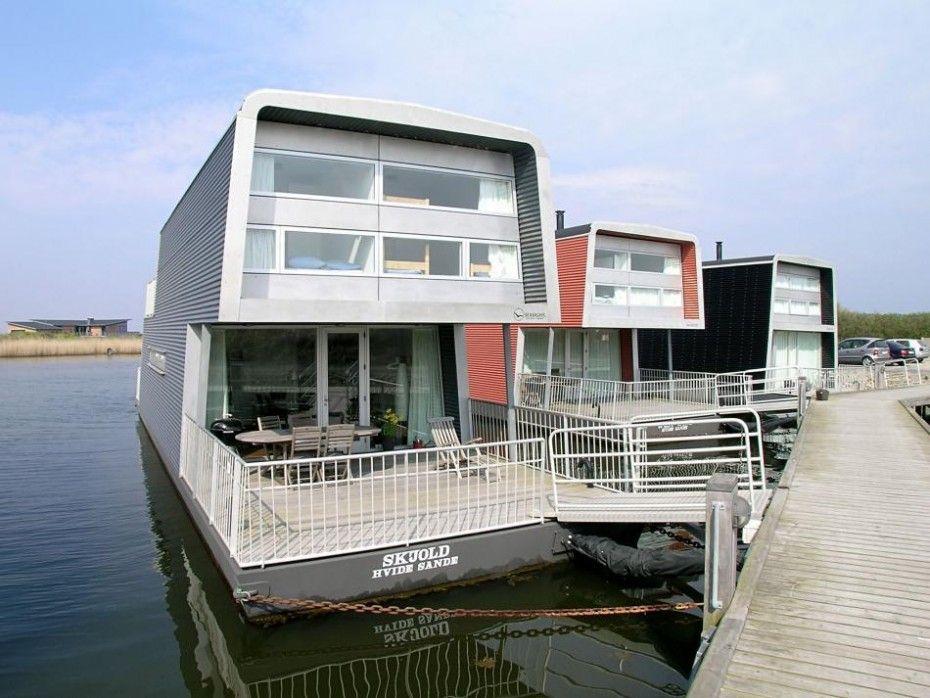 Hübsch und gemütlich eingerichtetes Hausboot in Hvide Sande; mit