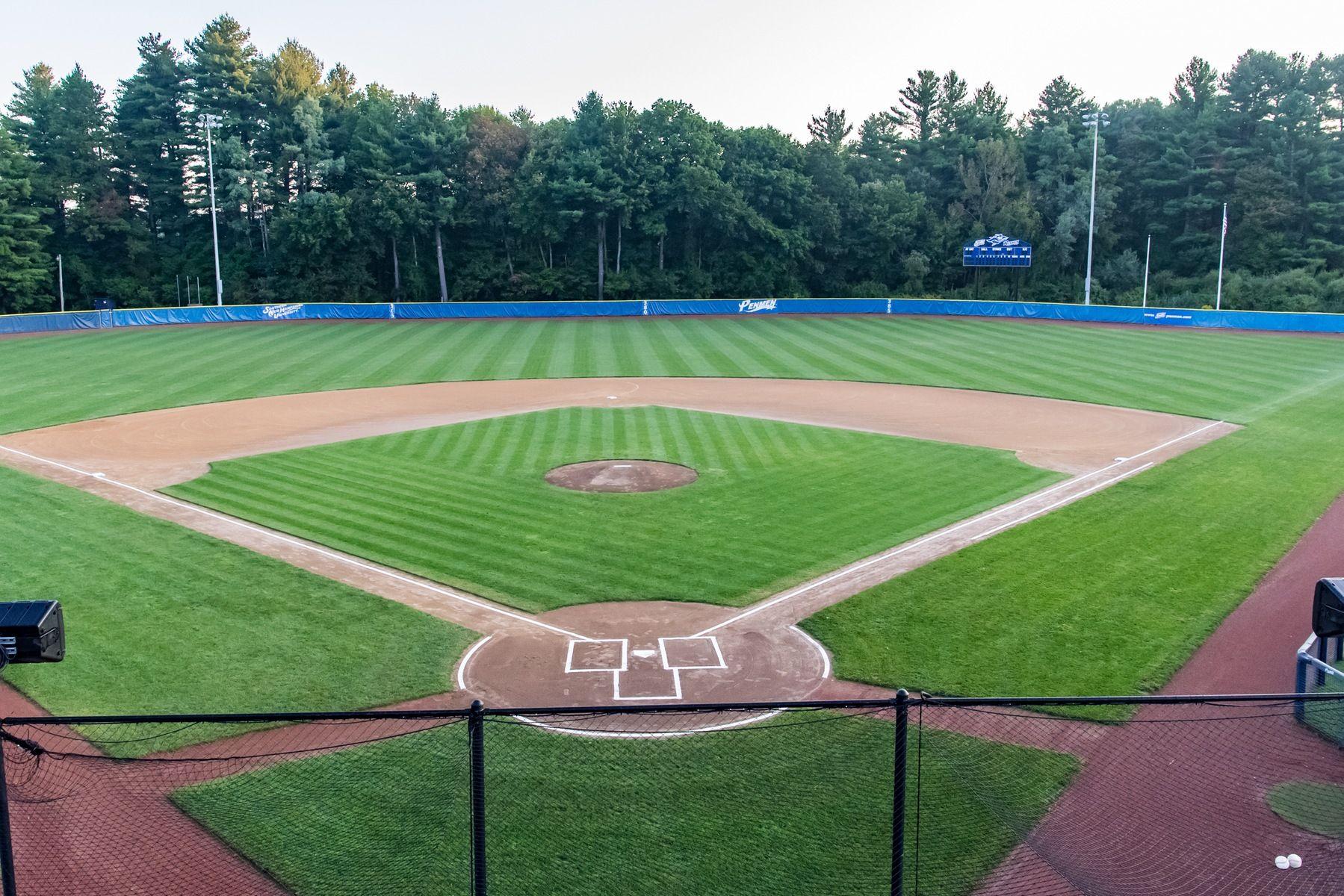 Snhu Baseball Field With Images Baseball Field Baseball Field