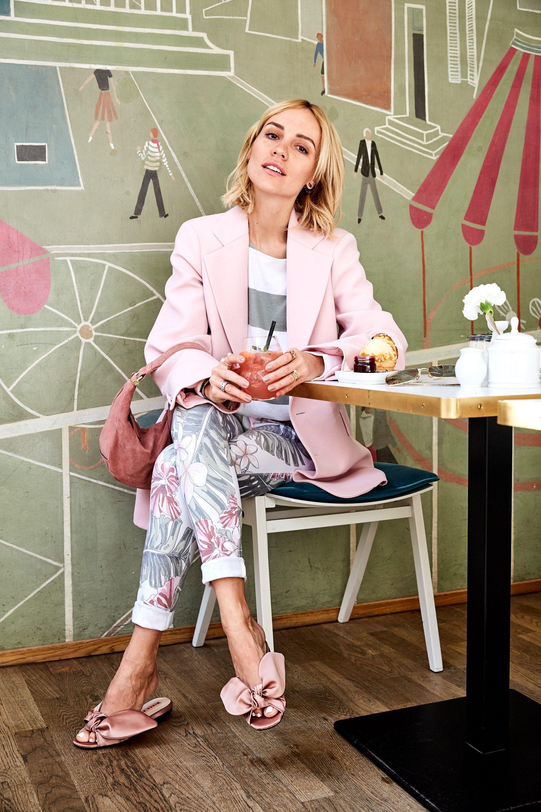 Fashion Bloggerin Viktoria Rader Tragt Fur Einen Gemutlichen