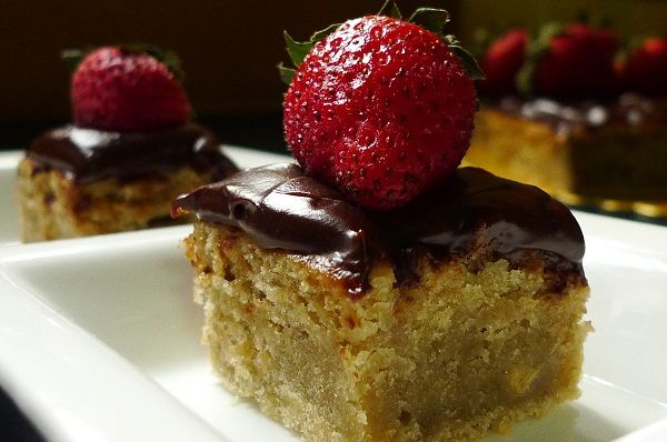 Banana Sheet Cake With Fudgy Chocolate Frosting