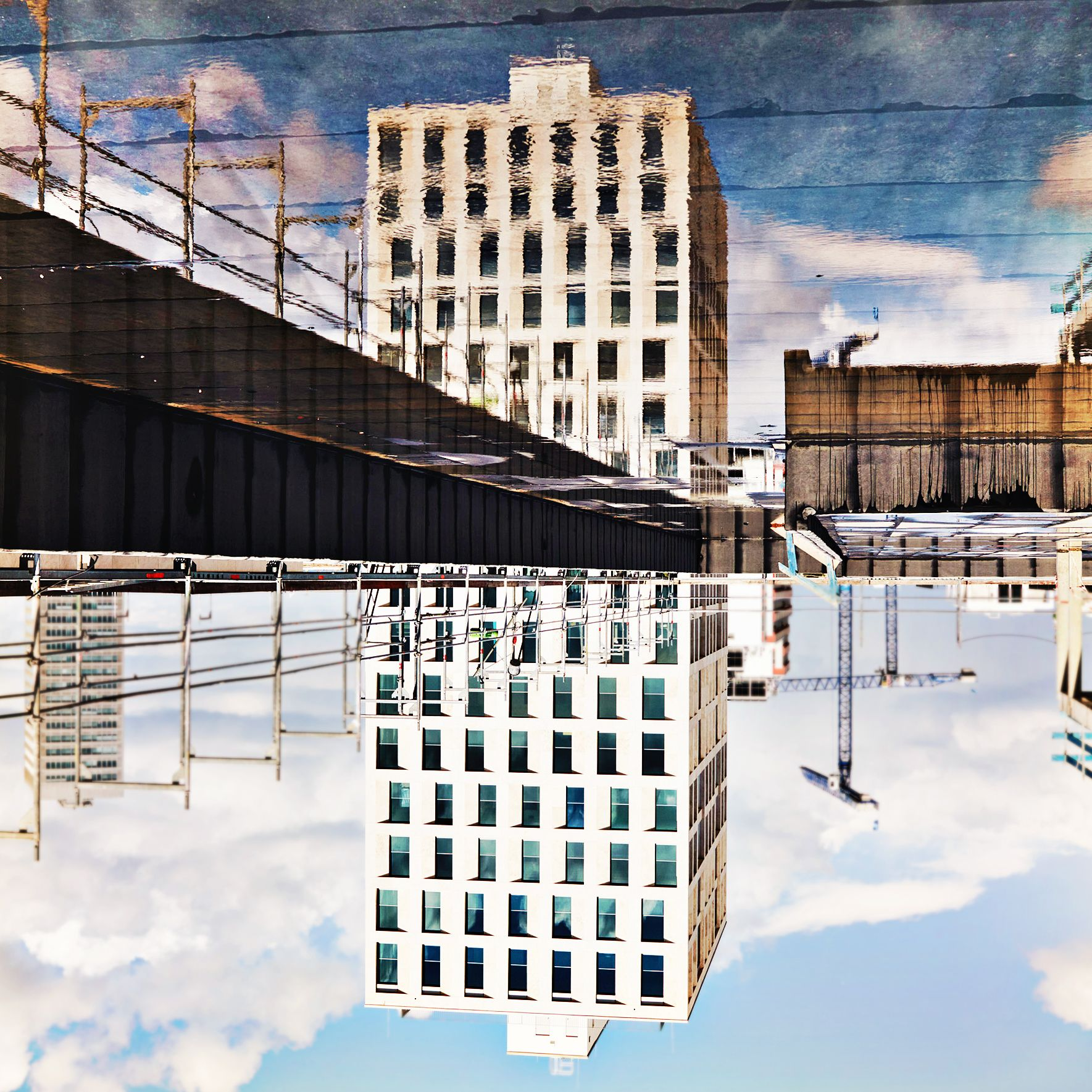 #upsidedownworld #SchwabingerTor #waterreflections #lightingmood #invertedworld #art #photography #architecture #constructionsite #mirroring #cityparadise #urbanart #dreamworld #waterinthesky #maxdudler #pictureoftheday #munichliving #urban #TalenteTeilenToleranz #innovation #munich #sky #weloveschwabing #münchenarchitektur #leopoldstrasse