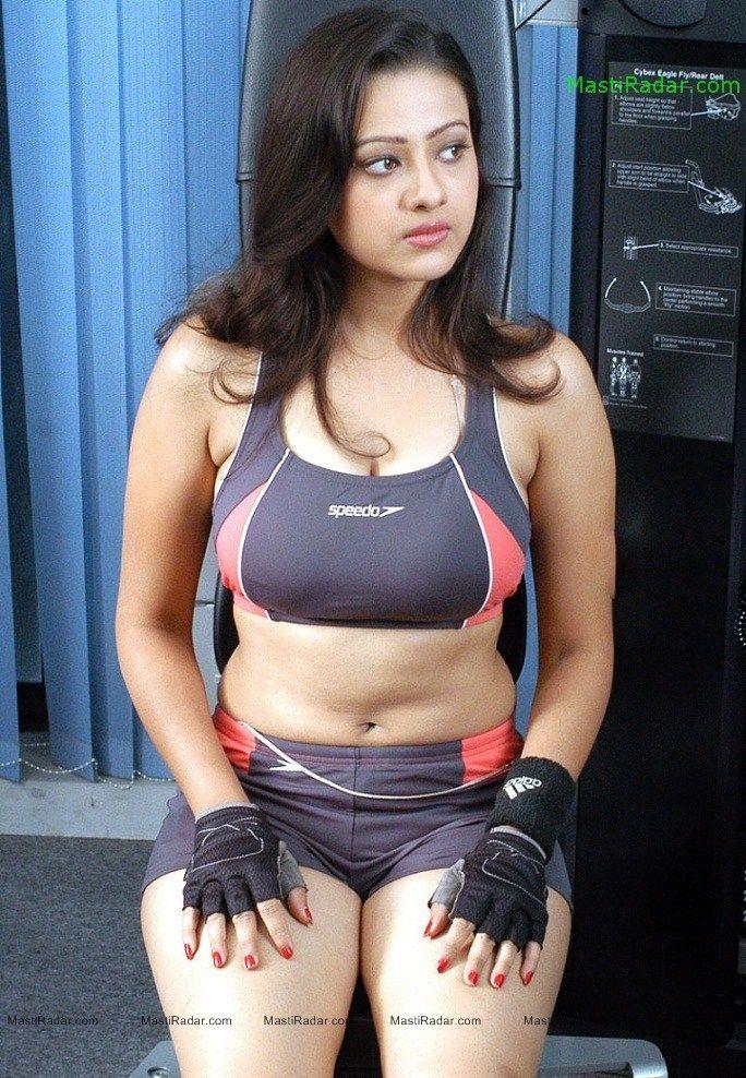Mallu Actress Madalasa Sharma Hot Photos Thunder Thigh Show Hotphotosportal