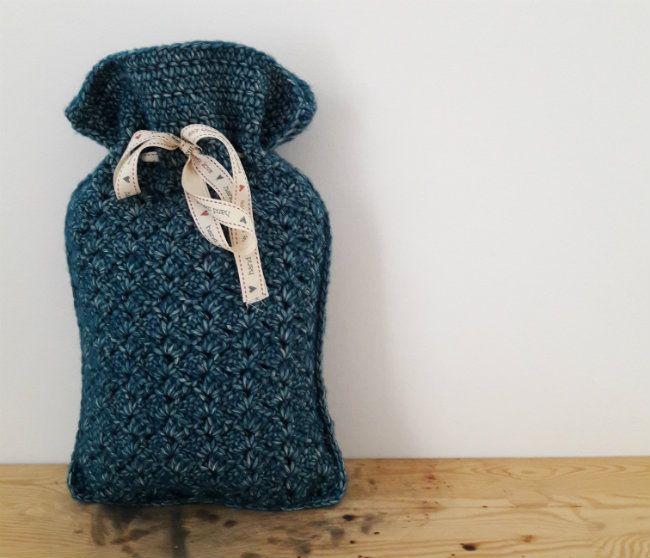 Free crochet pattern: hot water bottle cosy | Happy in Red | crochet ...