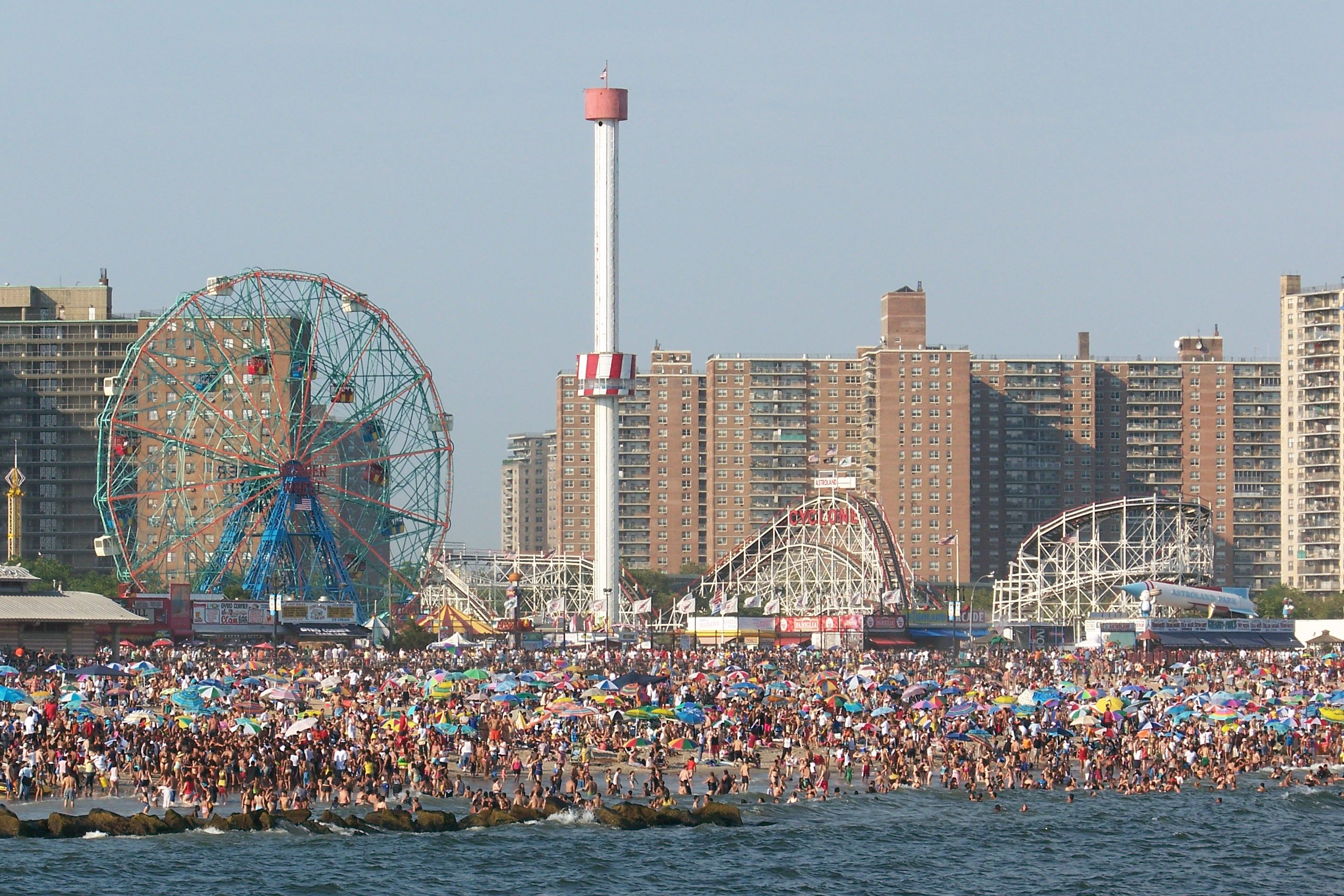 how to get to coney island by train