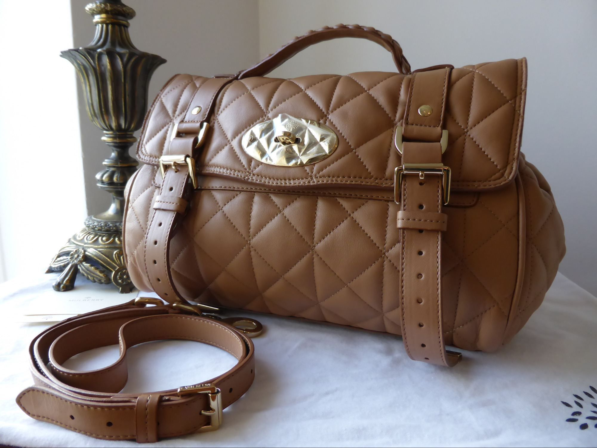 Mulberry Regular Alexa in Deer Brown Quilted Nappa > http