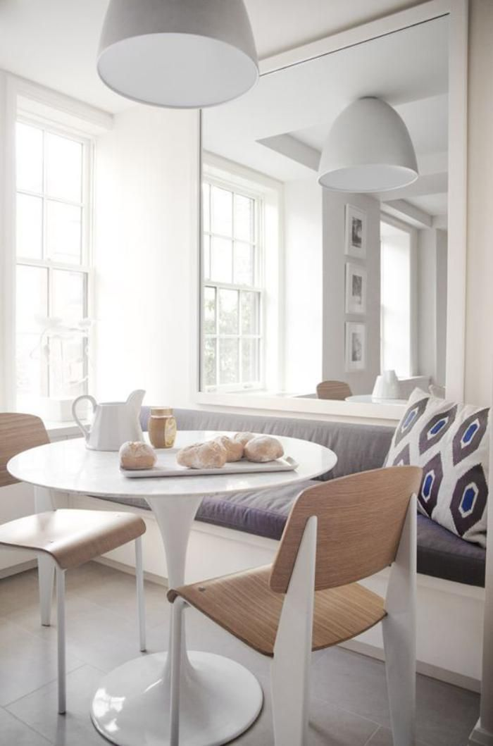 Mirror and banquette Great idea to