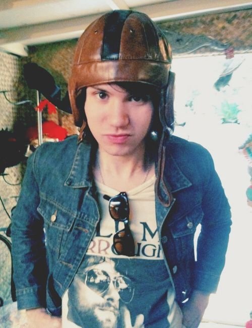 weird pictures of ryan ross