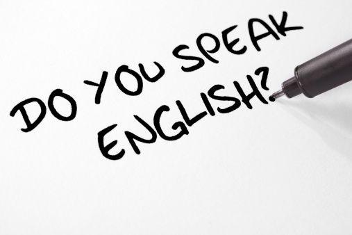 INGLÉS NIVEL PRE-INTERMEDIO (II) Consta de 9 unidades que gramaticalmente comienzan con un refuerzo del nivel 1, llegando hasta el uso de los condicionales y el estilo indirecto.