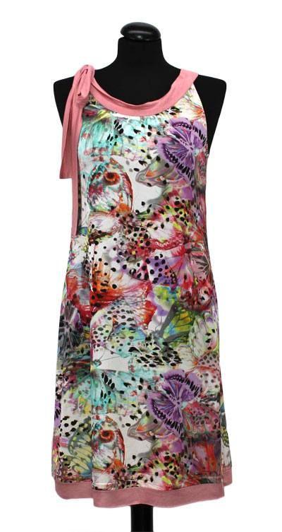 Bei Schnittquelle finden Sie Schnittmuster - wie z.B. Kleid Aleria die einfach zu nähen und raffiniert zugleich sind.