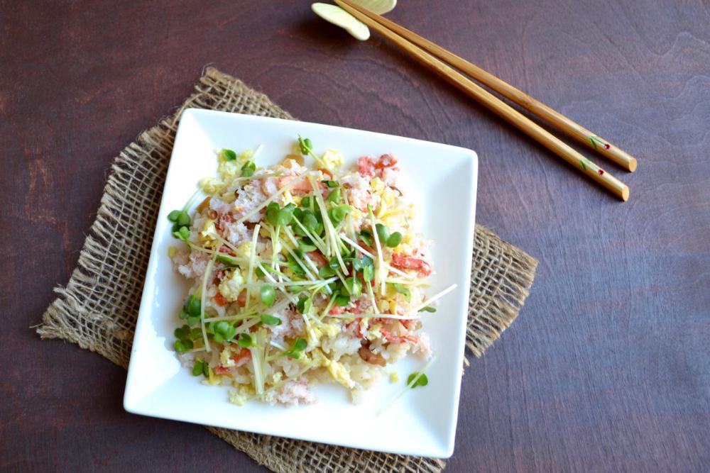 Snow Crab and Egg Chirashi Sushi Recipe in 2020 Sea
