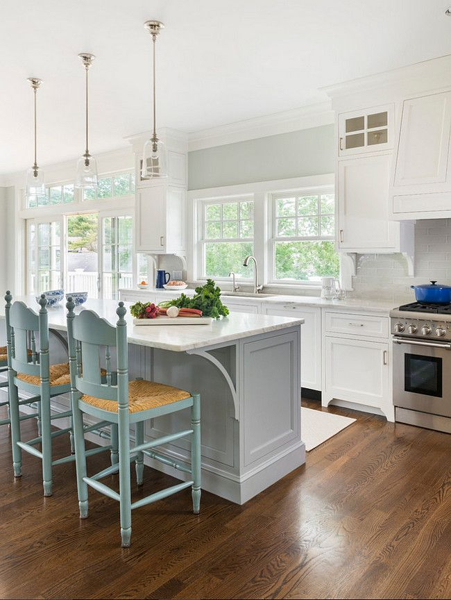 Best White And Gray Kitchen Painted In Benjamin Moore Oc 52 640 x 480