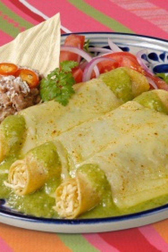 Enchiladas Suizas Con Pollo Recipe Recipes With Green Enchilada Sauce Chicken Enchilada Recipe Enchilada Recipes