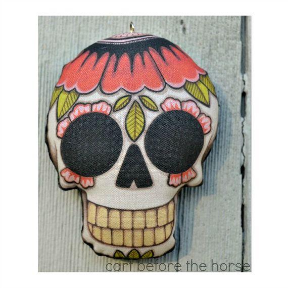 Mohn Sugar Skull Tattoo Flash Tag für die Toten Verzierung - Original Volkskunst Skeleton - gedruckt und stopfte Stoff https://www.etsy.com/shop/cartbeforethehorse