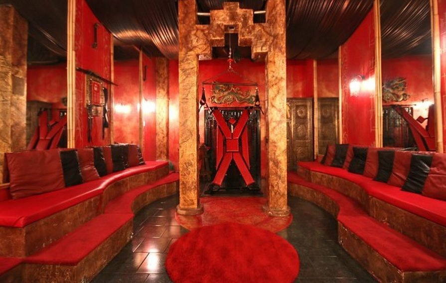 There S An Airbnb For Kinksters Dungeon 50 Shades Of