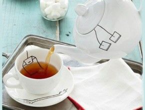Dishes with DIY pattern