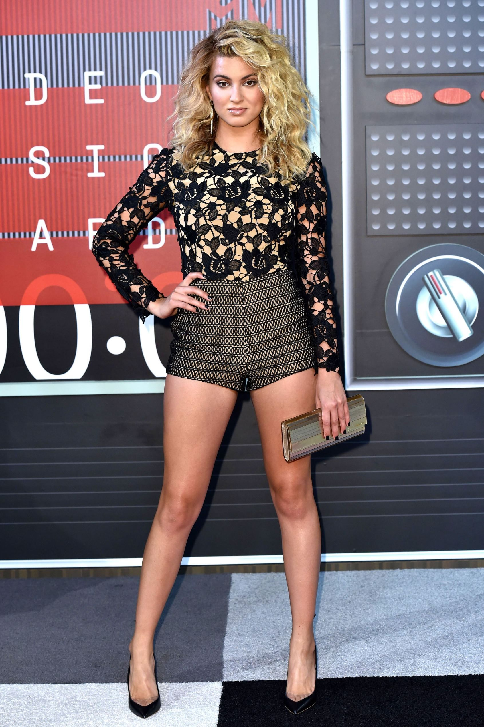 596ca93b8e Check out the gams on Tori Kelly! The