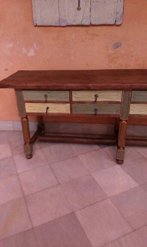 Mueble castellano de los 60 tratado tablero con cera for Muebles pintados a la tiza