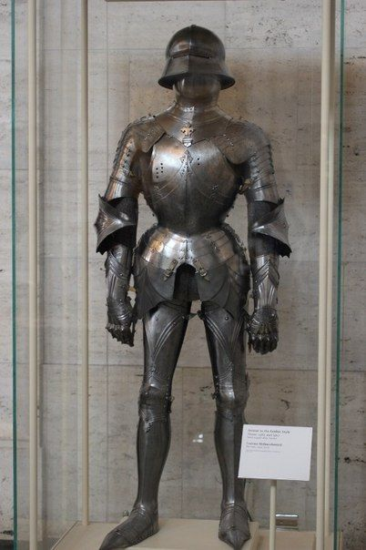Pin By Ferret93 On Clothes Medieval Armor Suit Of Armor Knight Armor