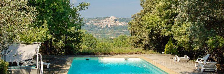 La vue de la location de vacances Mas à Bonnieux ,Vaucluse - photo - location vacances provence avec piscine