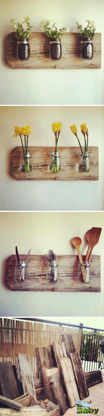 Fija frascos de vidrio usados sobre tablones de madera vieja y úsalos para decorar.