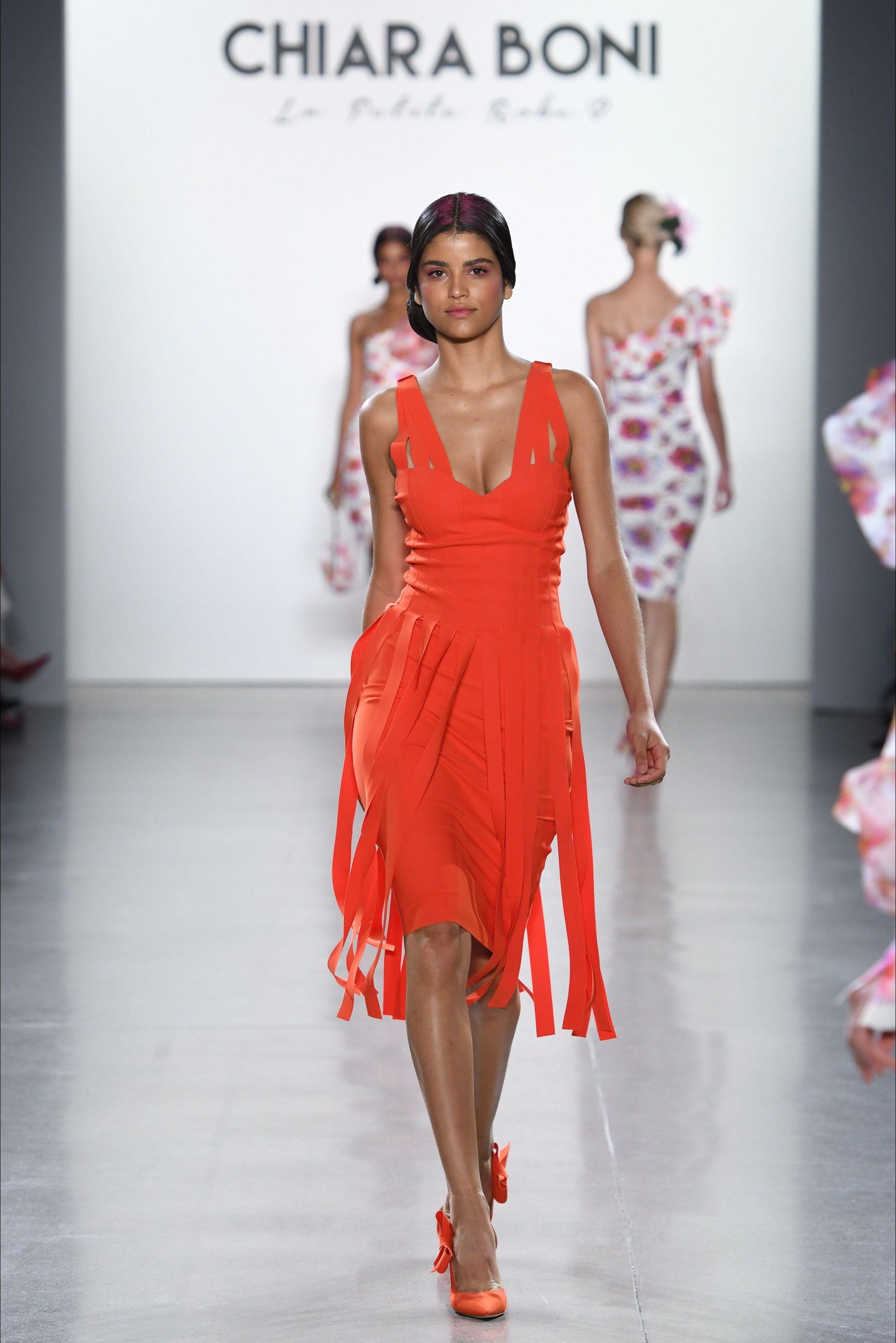 10d2df1932ba Sfilata Chiara Boni La Petite Robe New York - Collezioni Primavera Estate  2019 - Vogue