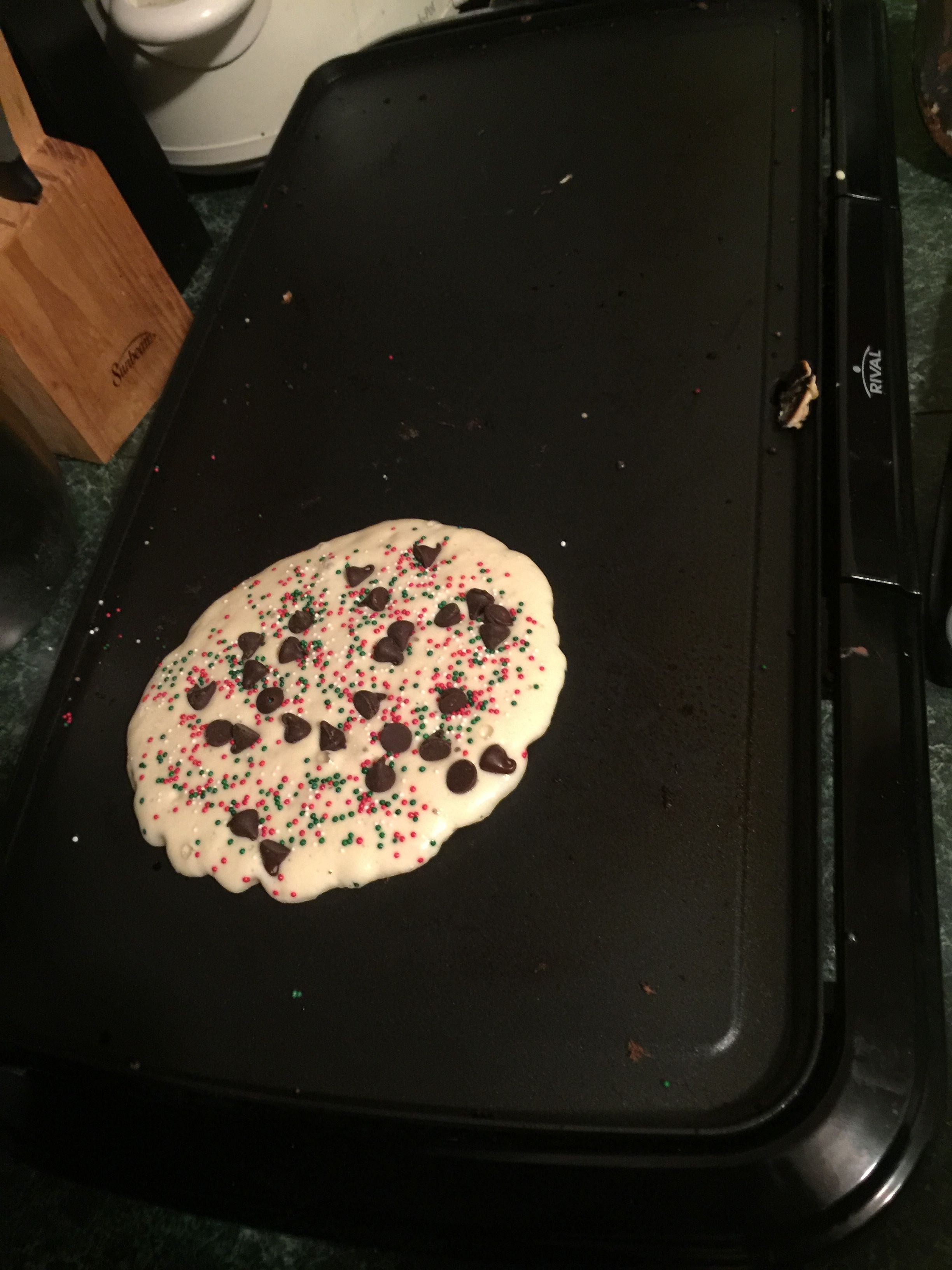 Christmas pancakes (Red & green sprinkles)  Why? Cause that's what the advent calendar said!  Much fun!