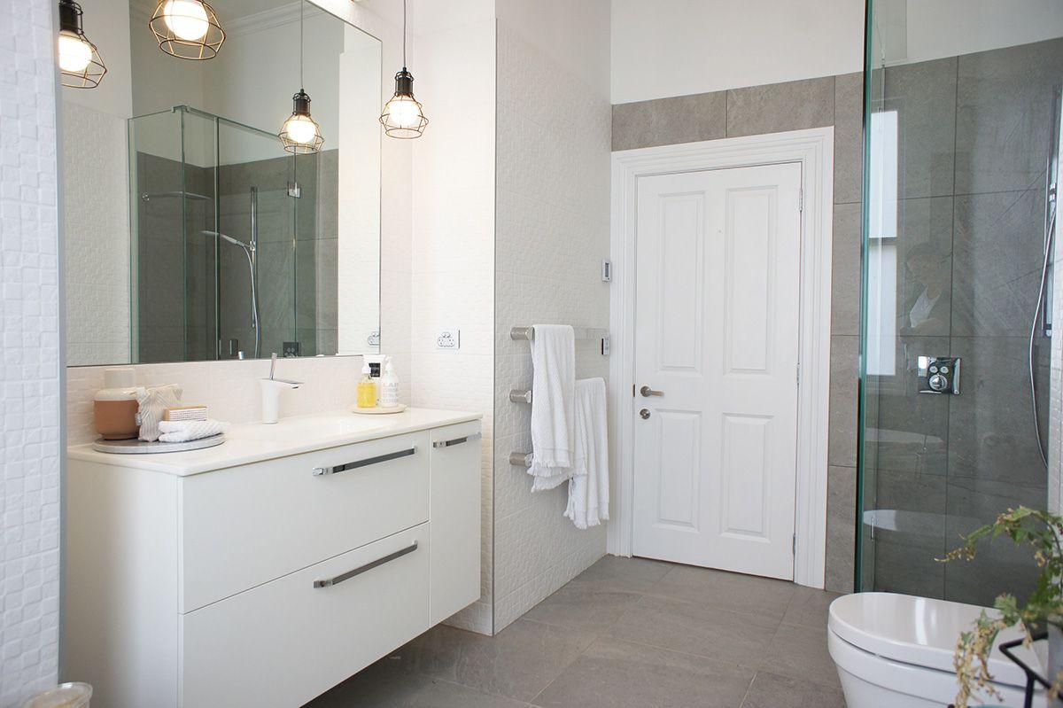 Brooke Amp Mitch Main Bathroom Blendstone Grey Amp Tessere