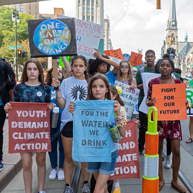 Global Climate Strike 2019 Protestors Taking Part In The Global Climate Strike In Detroit Michigan Usa The September 2019 C Climates Detroit Science Photos