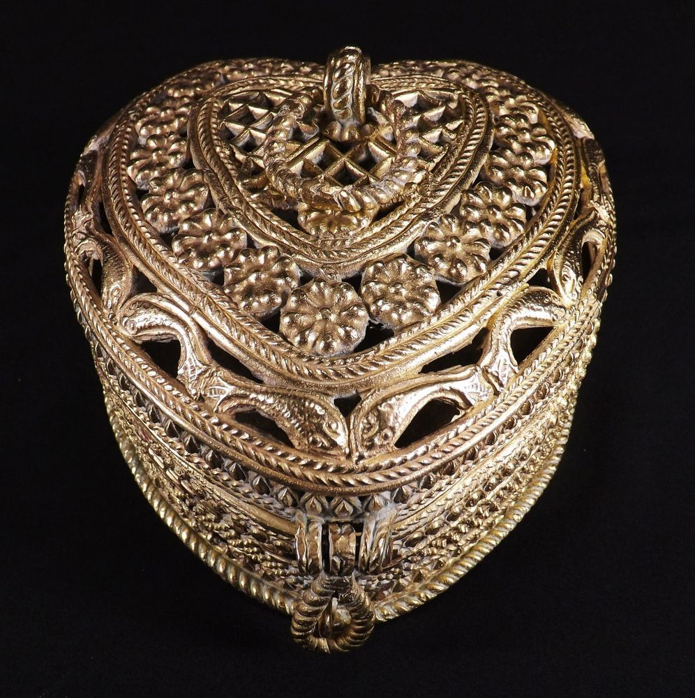 Finest Antique Cast Brass Heart Trinket Jewelry Box Ornate Heavily Chased