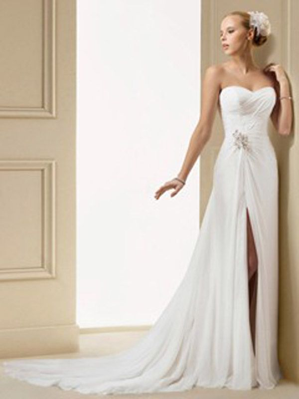 Short Wedding Dresses With Long Trains Uk Not The Highest Quality Image But Its Beautiful